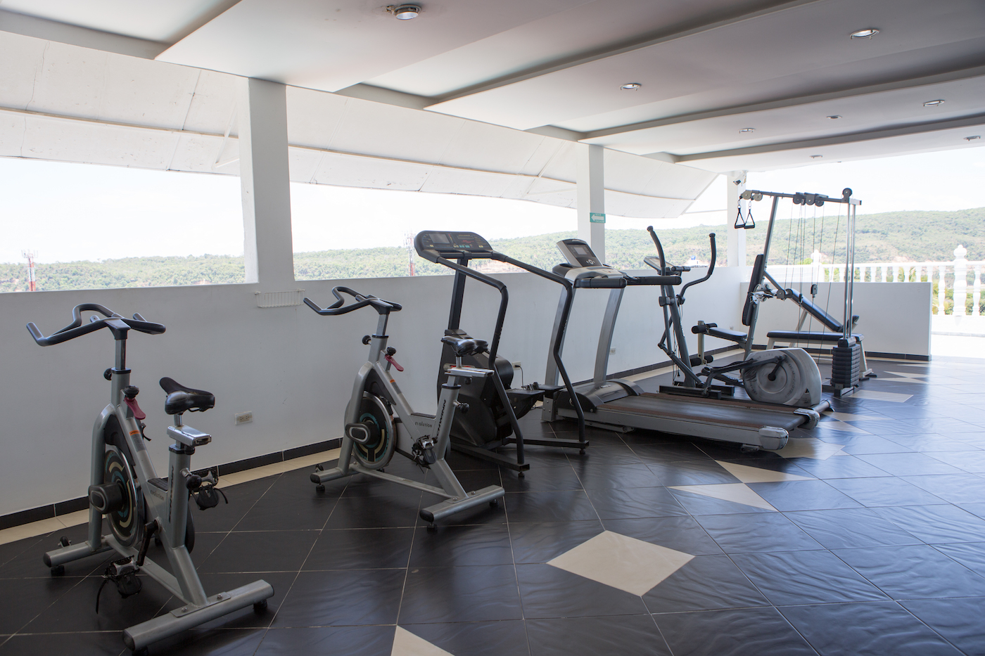 gimnasio-hotel-anamichu-suites